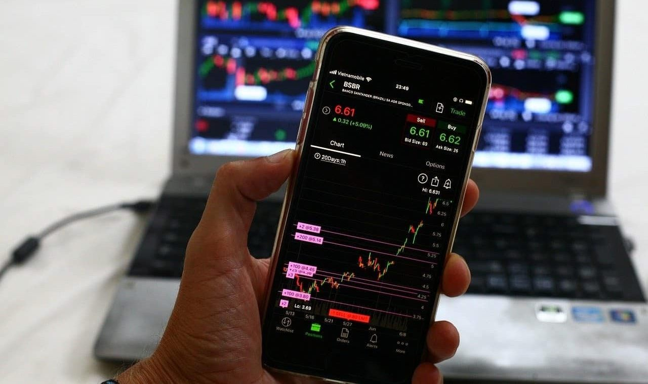 an image of someone trading - crypto synthetic stocks